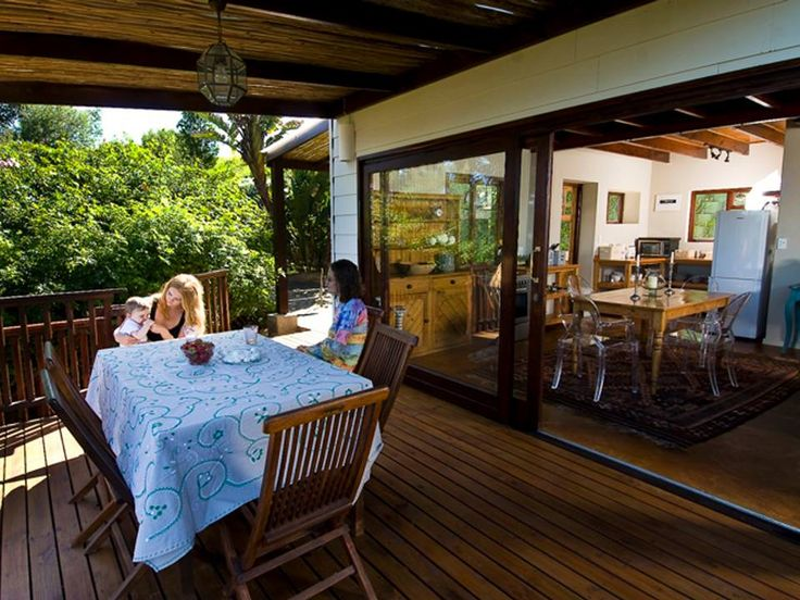 191 Nirvana is a beautiful homestead set high on a Knysna hillside, offering spacious and well-priced self-catering units. Enjoy breathtaking panoramic views of the entire Knysna lagoon | Holiday Houses SA