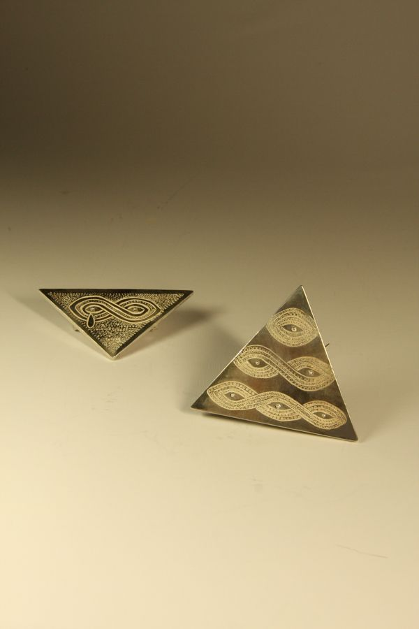 Eyes Brooches. 2009.  Fine Silver. Chasing technique.