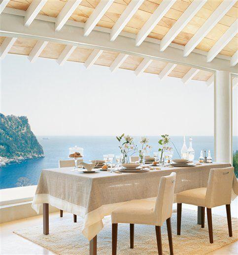 Una casa mallorquina con vistas a la bahía · ElMueble.com · Casas