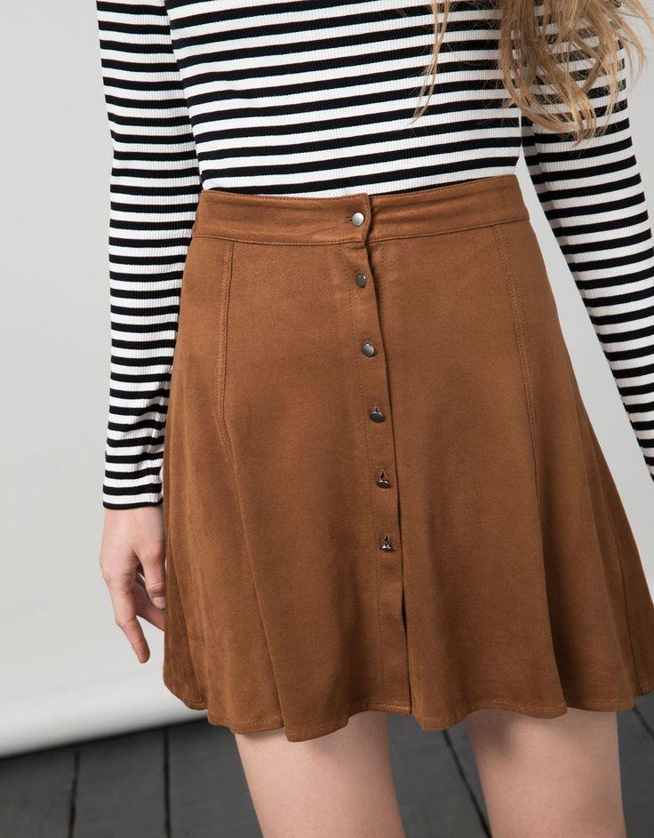 BSK Skirt. Entdecken Sie diese und viele andere Kleidungsstücke in Bershka unter neue Produkte jede Woche