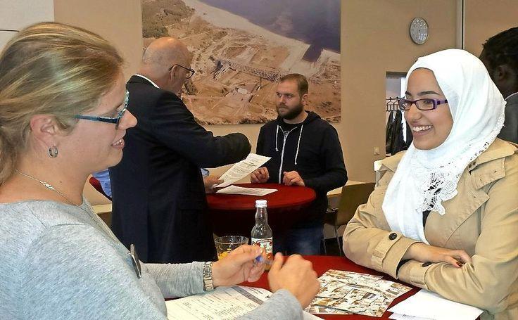 Gestern Vormittag fanden im Goethesaal der Industrie- und Handelskammer Cottbus (IHK) Bewerbungsgespräche der besonderen Art statt. In aufgelockerter