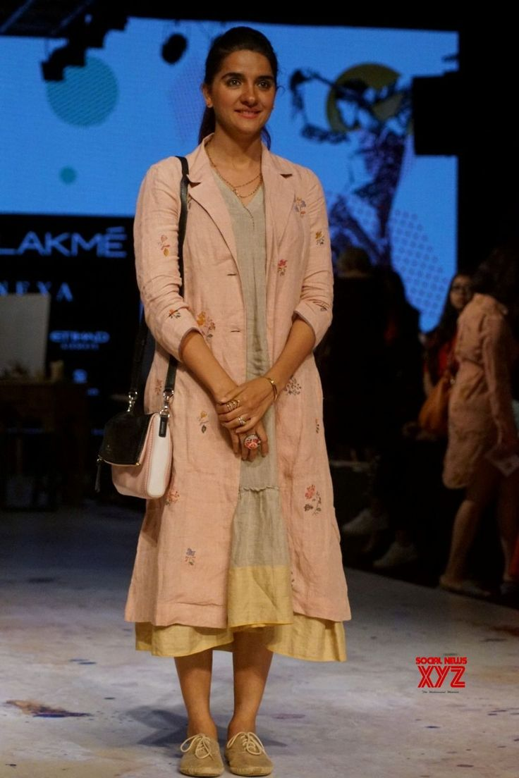 Mumbai: Shruti Seth during the Lakme Fashion Week Winter/Festive 2017 - Social News XYZ