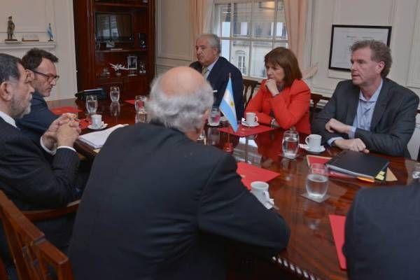 Gobiernos de Argentina y Chile acuerdan agenda de trabajo y cooperación en materias fronterizas y de seguridad
