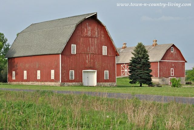 42 best barn homes images on pinterest barns country for Country barn builders