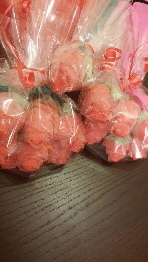 Ramos de chuches .rosas gigantes