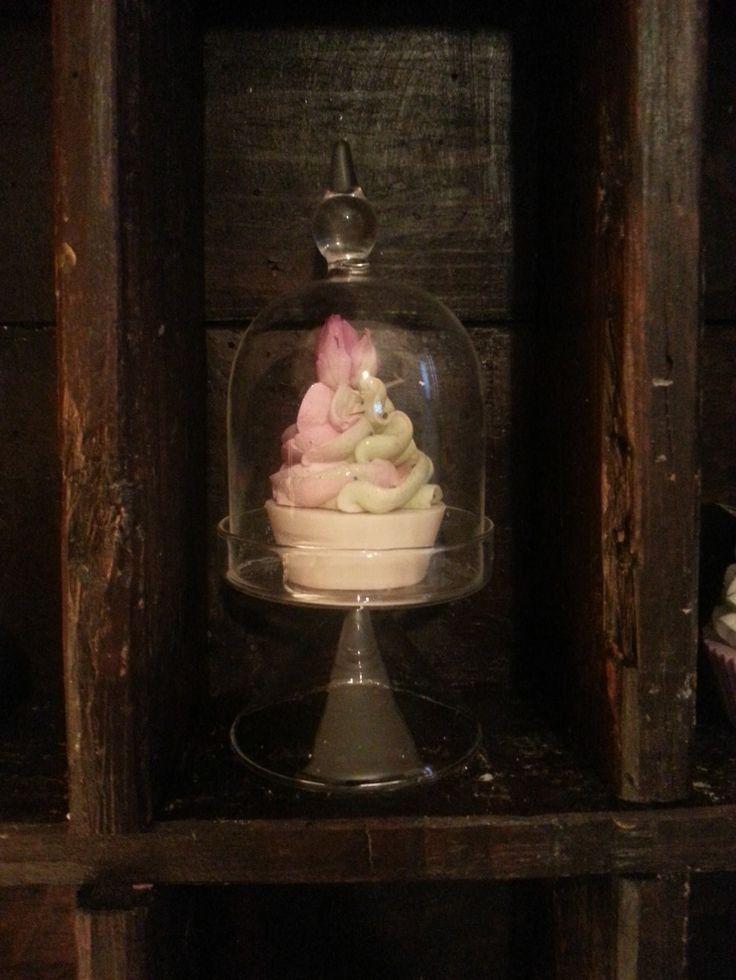 shabby chic cup cake saponi decorativi cup cake, oggetti decorativi, saponi, saponi naturali artigianali, bomboniere , shabby, chic soap, prodotti naturali, vegan, alzatina shabby
