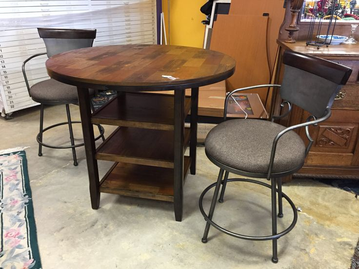 Wow your guest this season with this gorgeous unique counter table and two chairs. ALL FOR ONLY $250 #cheap #deals #forsale #home #decor #mk #sale #consignment #store #furniture #home #house #apartment #cheap #affordable #table #pubtable #homedecor #homedesign
