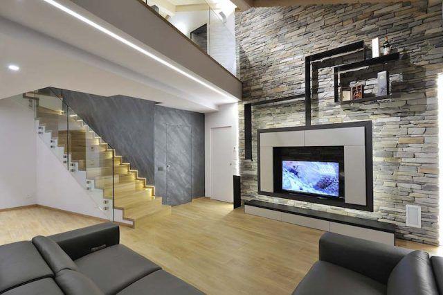 profilé LED encastre-plafoind-marches-escalier-villa-privee-cuneo-panzeri