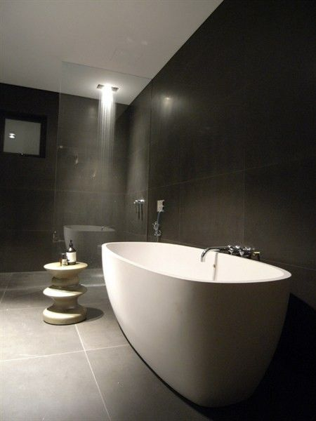 We had a cool idea to wrap this bath in stainless steel, looks chic & elegant.