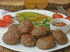 Yapımı oldukça kolay, lezzetli ve yumuşacık bir köfte tarifi...