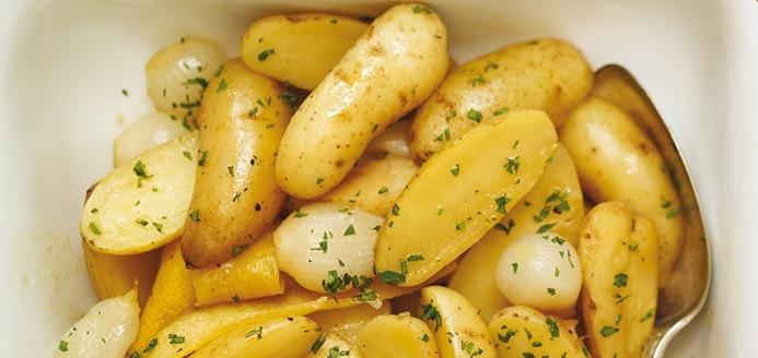 Plat de pommes de terre rattes et oignons recettes - Comment cuisiner les rattes du touquet ...