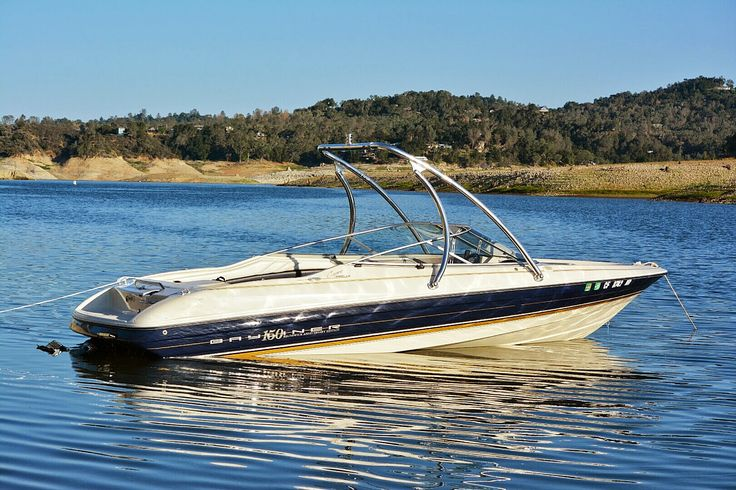 Bayliner 2050 with a Big Air Ice tower // universal wakeboard tower // Bayliner Boats // boat tower // universal wakeboard tower // wakeboard towers for sale // boat wakeboard tower // boat towers for sale // cheap wakeboard tower // folding wakeboard tower // collapsible wakeboard tower // aluminum wakeboard tower //