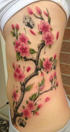tatouage branches arbre japonais fleurs de cerisier flanc femme - Tatouage femme