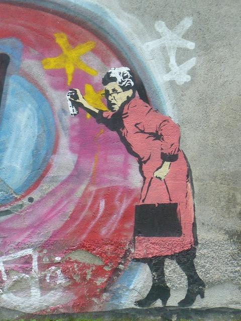 Never separate a street artist from her hand bag! Trondheim
