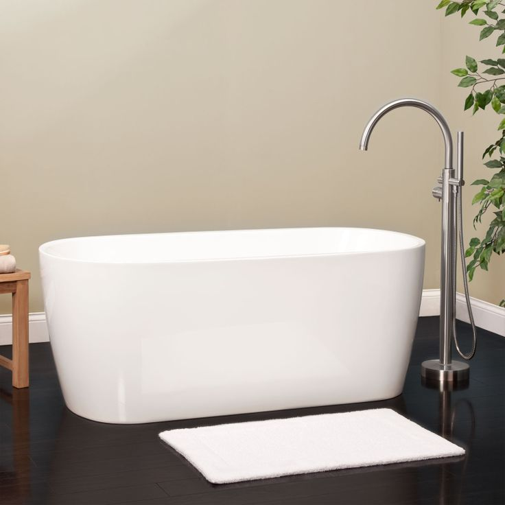 76 best images about bathtubs on pinterest soaking tubs for Best freestanding tub material