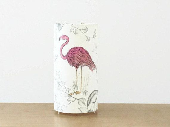 Lampe Tube Motif Flamant Rose Tropical Exotique Lampe Chevet Lampe D Appoint Lampe A Poser Idee Cadeau Noel Anniversaire Tendance Animal Handmade Etsy Gifts Etsy Gift Guide Etsy Teams