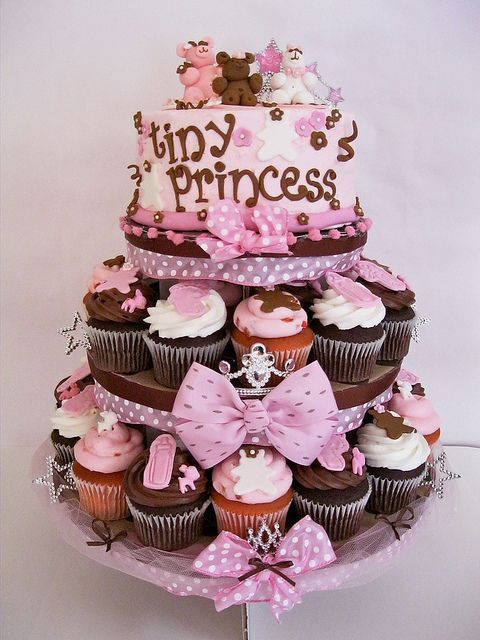 For the tiny princess....  #cupcakes
