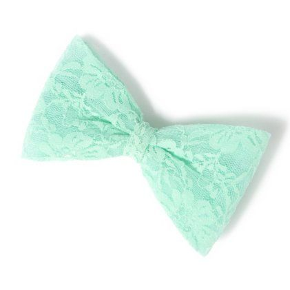 Lace hair bow!! :) want some hair bows!