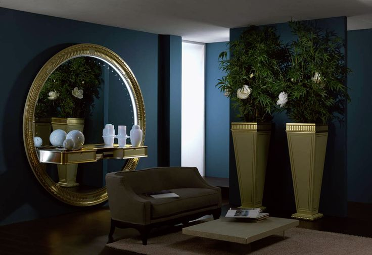 big round mirror with consolle for entrance room art deco style with floor vases #bigmirror #roundmirror #mirror #interiordesign #design #homedecoration #classicfurniture #vase