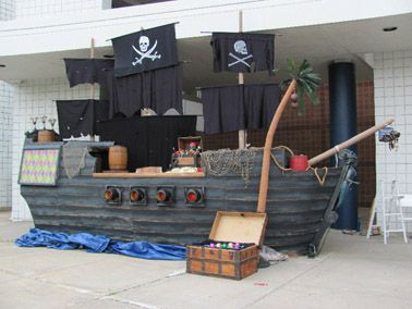 Halloween pirate ship build