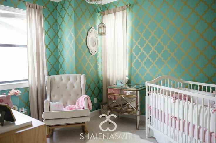 Hollywood Glam #Nursery - the wallpaper makes a huge impact, but it balanced out by other neutral pieces.: Hollywood Glam, Projects Nurseries, Baby Rooms, Sit Rooms, Nurseries Ideas, Powder Rooms, Glam Nurseries, Baby Nurseries, Accent Wall