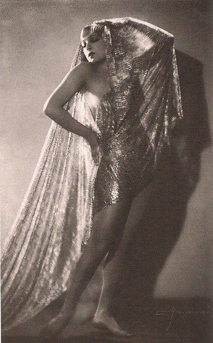 Lili Damita, 1929. In 1928, at the invitation of Samuel Goldwyn she went to Hollywood appearing Gary Cooper, Maurice Chevalier, Laurence Olivier, Cary Grant, and James Cagney. Her films included the box office successes The Cock-Eyed World (1929), the semi-silent The Bridge of San Luis Rey (1929), and This Is the Night (1932). In 1935, she married her second husband, a virtual unknown, Errol Flynn, with whom she had a son, Sean Flynn (born 1941).