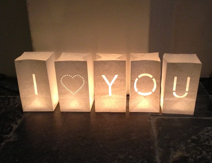 Living2Give - I♥YOU in grote papieren lantaarns of Candlebags bij Living2GIve