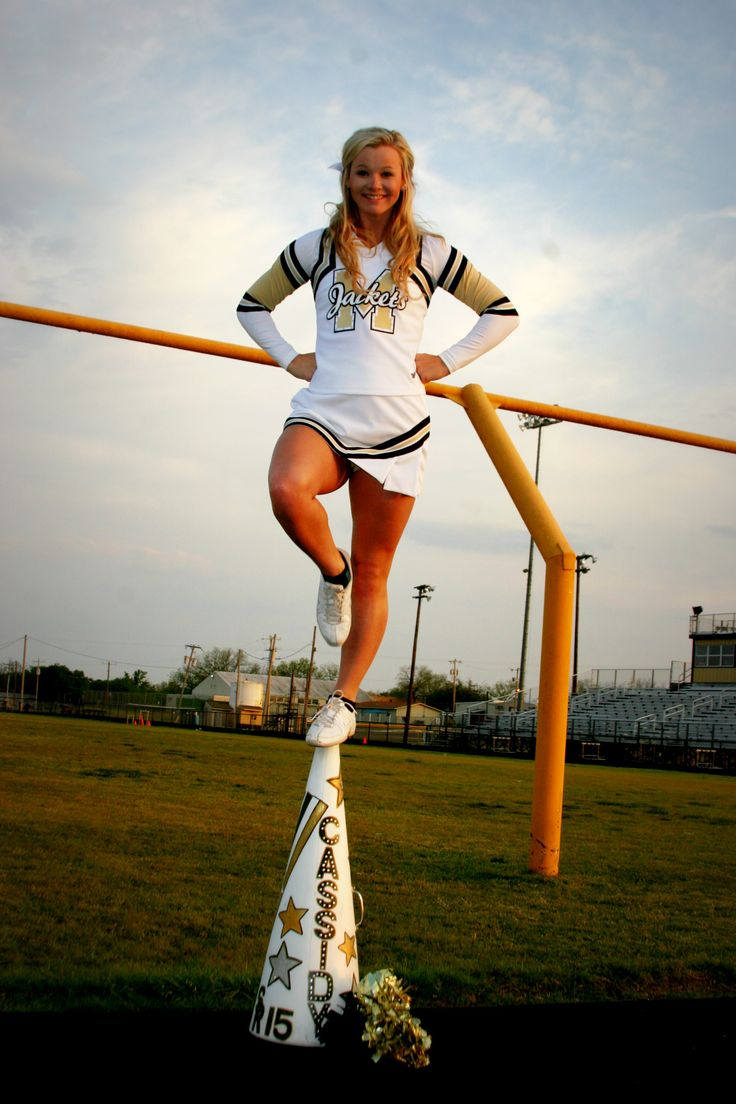 risky cheer picture pose idea