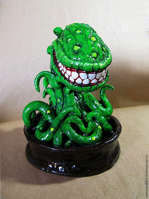 """Купить Статуэтка """"Улыбчивый Хищник"""" - зеленый, хищник, дионея, венерина мухоловка, чужой, зубы, зубастый"""