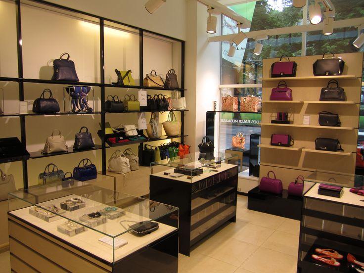 Furlan myymälän unelmalaukut. Onko sinulla omasi? #GE #Furla