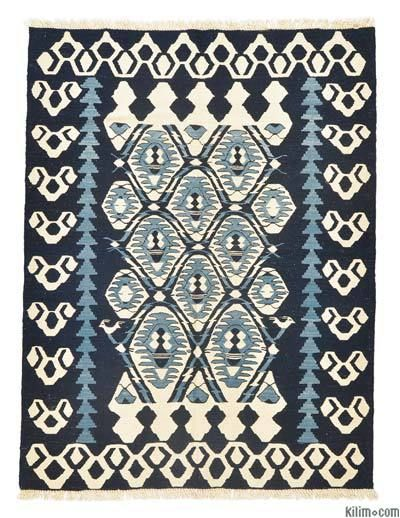 New Turkish kilim rug hand-woven with vegetable-dyed and hand-spun wool. If you like the design of this rug, we can custom make it to meet your color and size requirements.