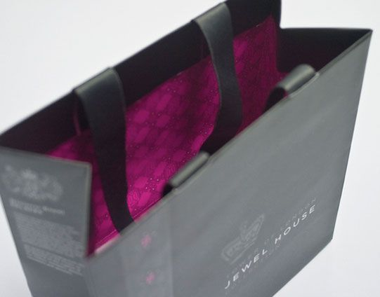 Super luxurious packaging