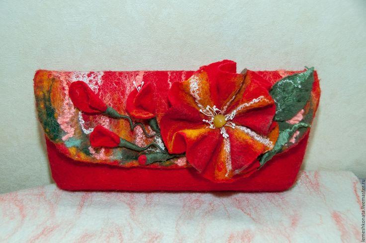 Купить Аленький цветочек - цветочный, войлок, ярко-красный, клатч вечерний, клатч ручной работы
