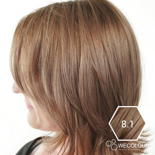Deze mooie blonde haarkleur heeft een lichte as tint maar ziet er nog wel natuurlijk uit.  #wecolour #astint #as #asblond