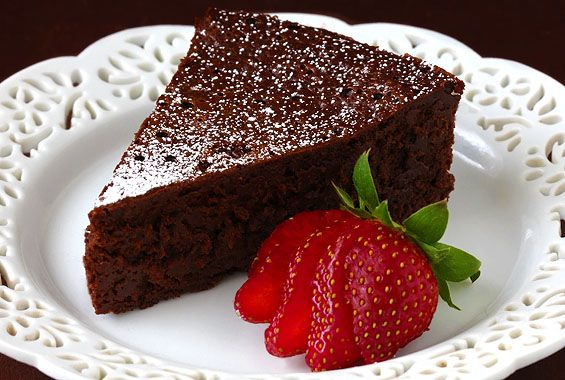 3 Ingredient flourless chocolate cake - How To Make A Flourless Chocolate Cake | gimmesomeoven.com