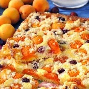 Jogurtovy kolac s ovocem