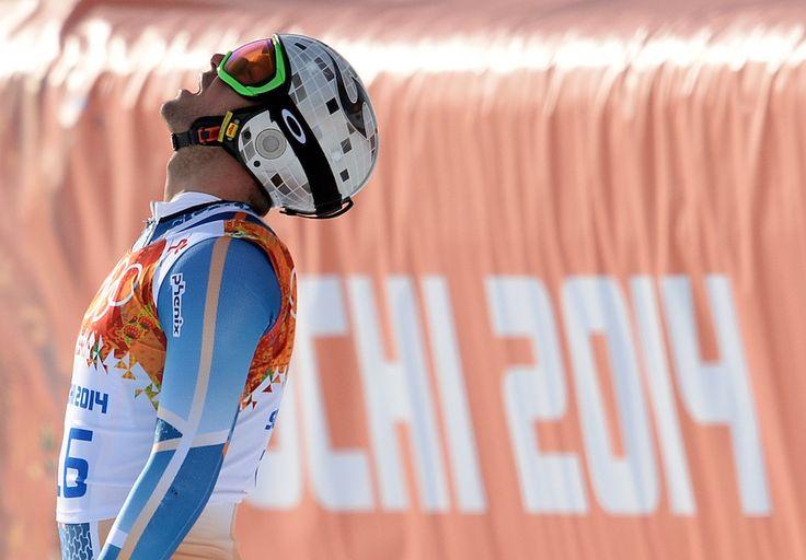 IlPost - Aksel Lund Svindal - Aksel Lund Svindal è uno degli sciatori più forti e vincenti della squadra norvegese (era il portabandiera alla cerimonia di apertura), e anche uno dei più completi, tant'è che in queste Olimpiadi invernali partecipava alla discesa libera, al supergigante e alla supercombinata (una manche di discesa libera più una di slalom, nello stesso giorno). Svindal ha 31 anni e ha già vinto parecchie medaglie nella sua carriera – tra cui un oro, un argento e un bronzo alle…