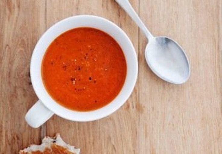 Oppskrift på en rask tomatsuppe du lager selv.