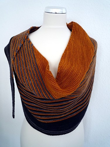 Color Affection in a great colorway. I have already made one and won't make another, but I super-love this one!