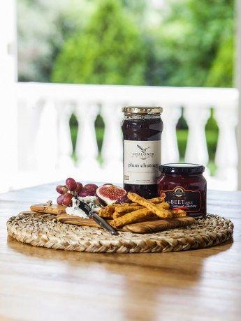 Rural Relish Box - https://rubyroadafrica.com/shop-online/gifts-for-home-and-garden/buy-gourmet-gifts-online/rural-relish-box-chaloner-benguela-trading-detail