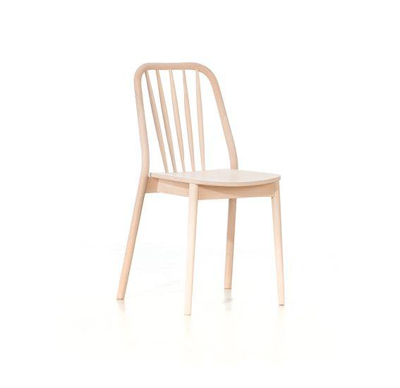 Krzesło Aldo A-1070 marki Paged Collection to połączenie klasyki i nowoczesności. Znajdź więcej na: www.euforma.pl #krzesło #pagedcollection #chair #design #polishdesign #furniture