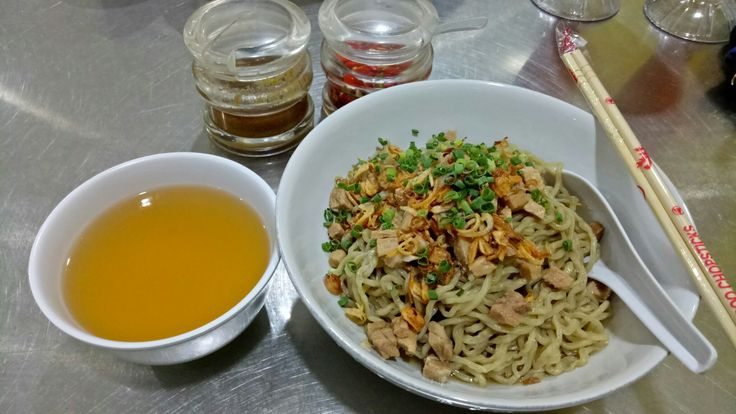 Wonton noodle @miepangsitaon