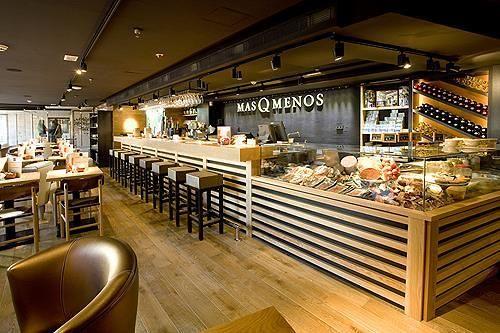 Cafeterias modernas pesquisa google tienda pinterest for Modelos de mesas para cafeteria