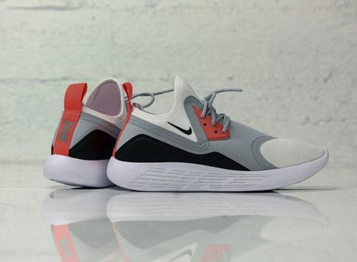 Nike LunarCharge (Infrared)