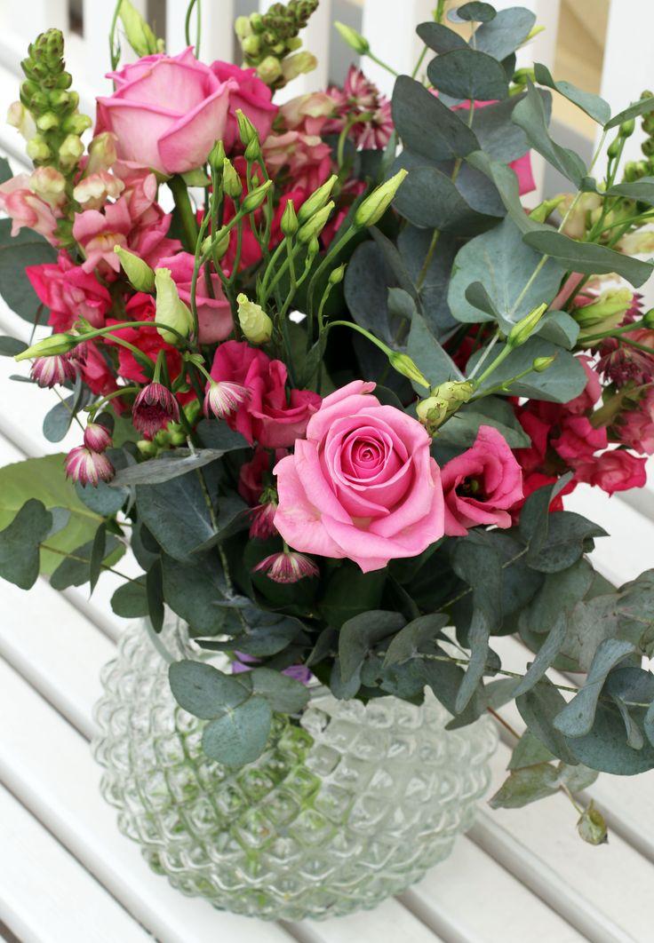 Fira mamma med blommor på Mors dag! Morsdagsbuketten är en favorit.