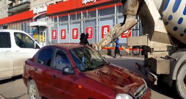 Suami balas dendam isi kereta isteri dengan simen - Info