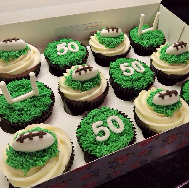 Cake Boss Cupcake Decorating Ideas : Best 25+ Rugby cake ideas on Pinterest Football themed ...