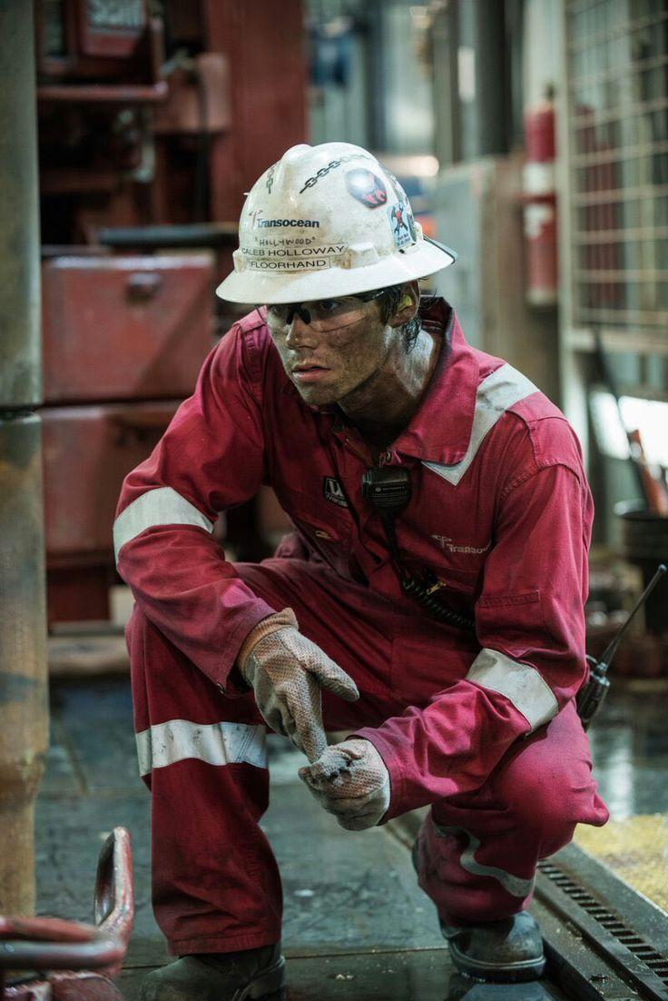 Dylan O'Brien as Caleb Holloway in Deepwater Horizon
