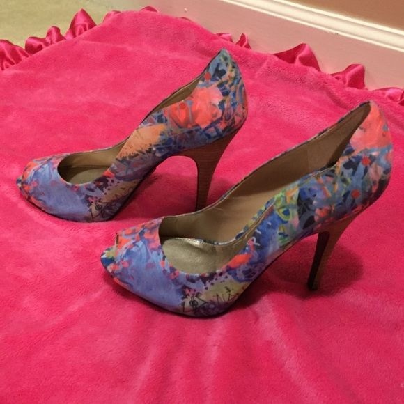 """Rachel Roy Colorful pumps Gorgeous and so unique!!!!  I SO wish these fit me.  Adds a pop of color(s) to any outfit!!  Never worn, perfect condition!  4.25/4.5"""" heel Rachel Roy Shoes Heels"""