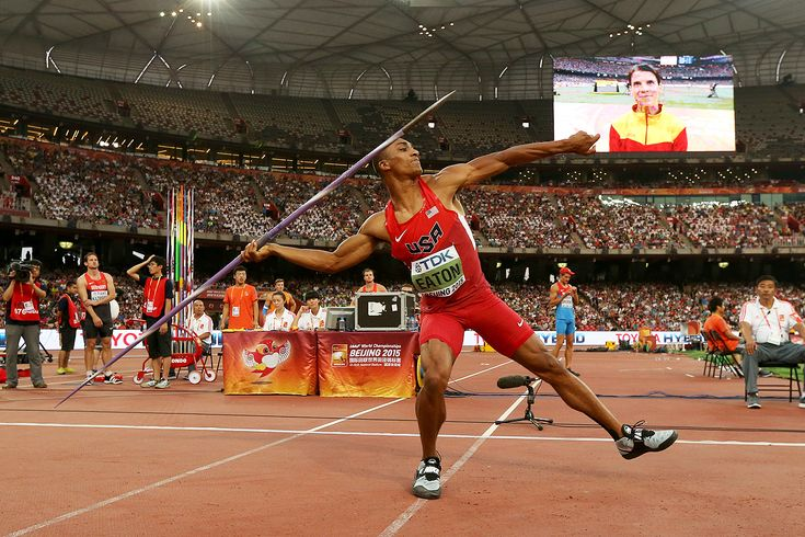 Ashton Eaton in the decathlon javelin at the IAAF World Championships Beijing 2015 (1200×800)
